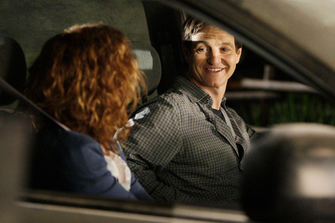 Noch ahnen Abby (Robyn Lively, l.) und Ian (William Mapother, r.) nicht, dass sie als nächste Opfer auserkoren sind. Doch werden Hotch und seine Kol... - Bildquelle: Touchstone Television