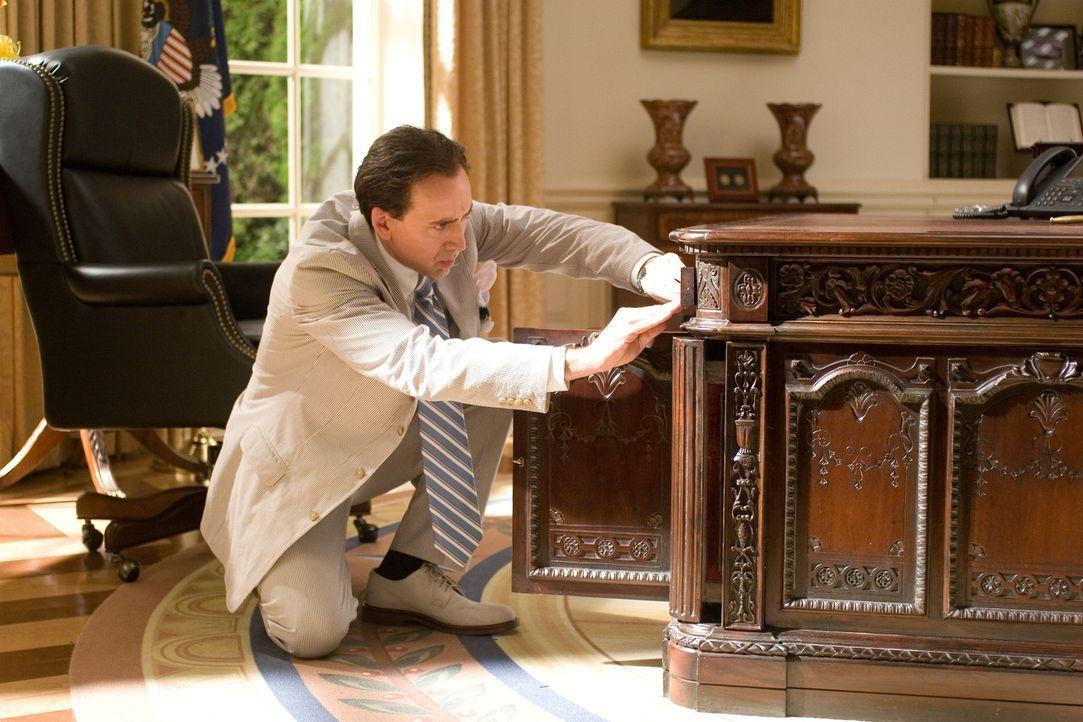 Ein Mann behauptet, dass Benjamin Franklin Gates' (Nicolas Cage) Ururgroßvater am Attentat auf Präsident Lincoln beteiligt war. Und er präsentier... - Bildquelle: Disney Enterprises, Inc.  All rights reserved.