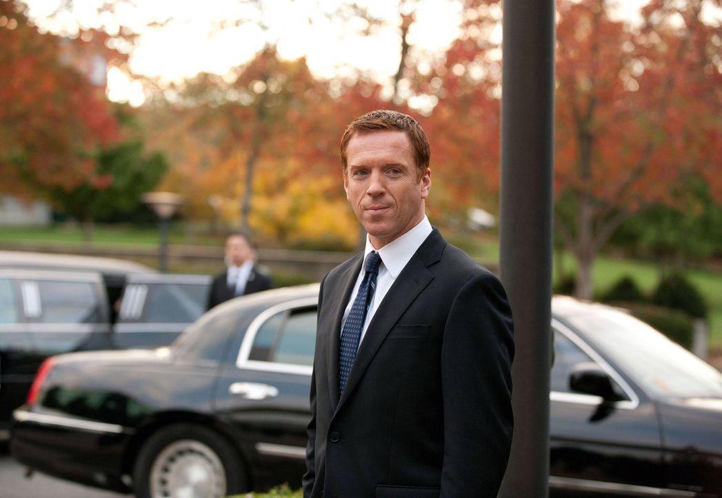 Während der Trauerfeier von Walden geschieht ein Attentat, das Brodys (Damian Lewis) Leben komplett verändert ... - Bildquelle: 20th Century Fox International Television