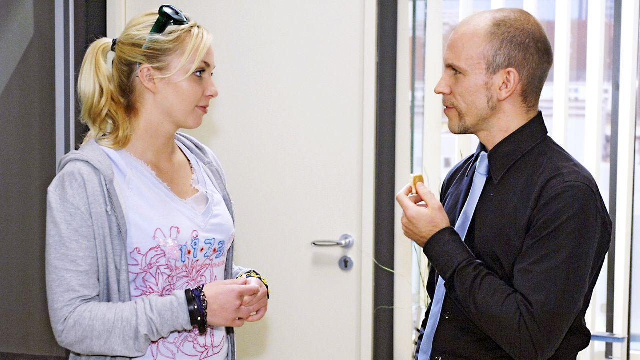Anna-und-die-Liebe-Folge-19-Oliver-Ziebe-Sat.1-02 - Bildquelle: Sat.1/Oliver Ziebe
