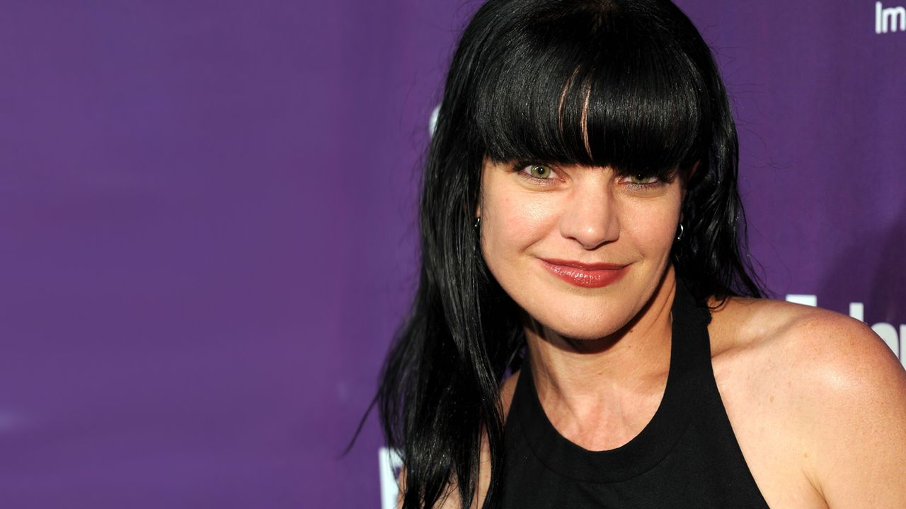 pauly-perrette-10-07-24-offene-haare-getty-AFP - Bildquelle: getty-AFP