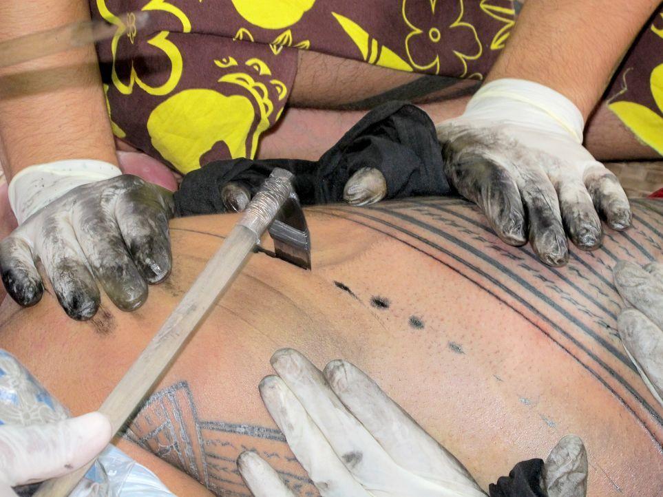 Tattoos-Samoa2-dpa - Bildquelle: dpa