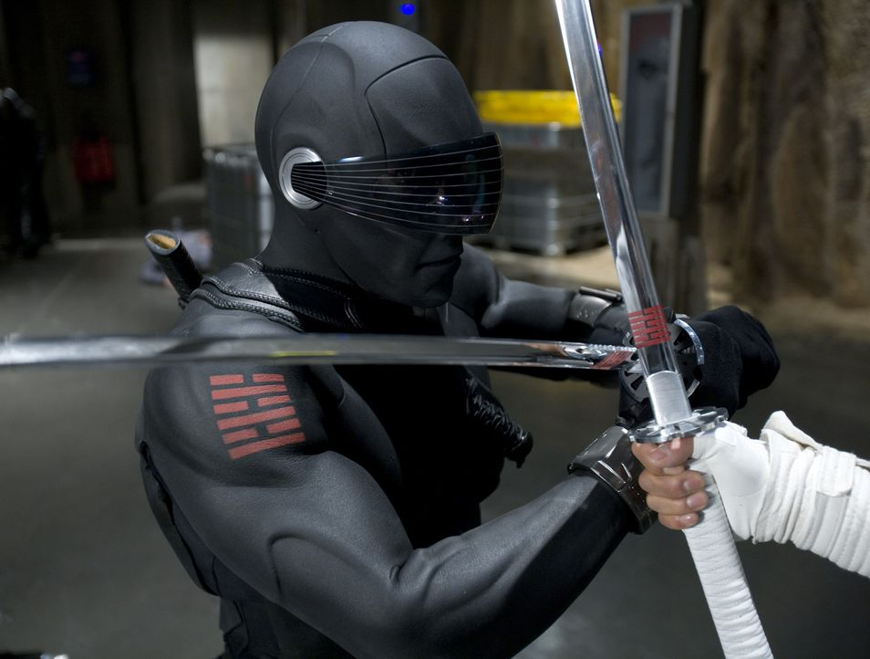 Snake Eyes (Ray Park) fürchtet weder Tod noch Teufel ... - Bildquelle: 2009 Paramount Pictures Corporation. All Rights Reserved. Reserved.