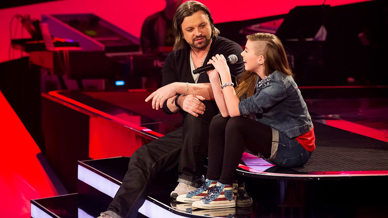 The-Voice-Kids-epi03-danach-Stephanie-1-SAT1-Richard-Huebner - Bildquelle: SAT.1/Richard Hübner