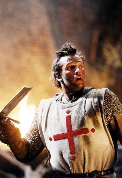 Macht sich auf, Prinzessin Lunna aus den Fängen eines Drachen zu befreien: Kreuzritter George (James Purefoy) ... - Bildquelle: ApolloMedia