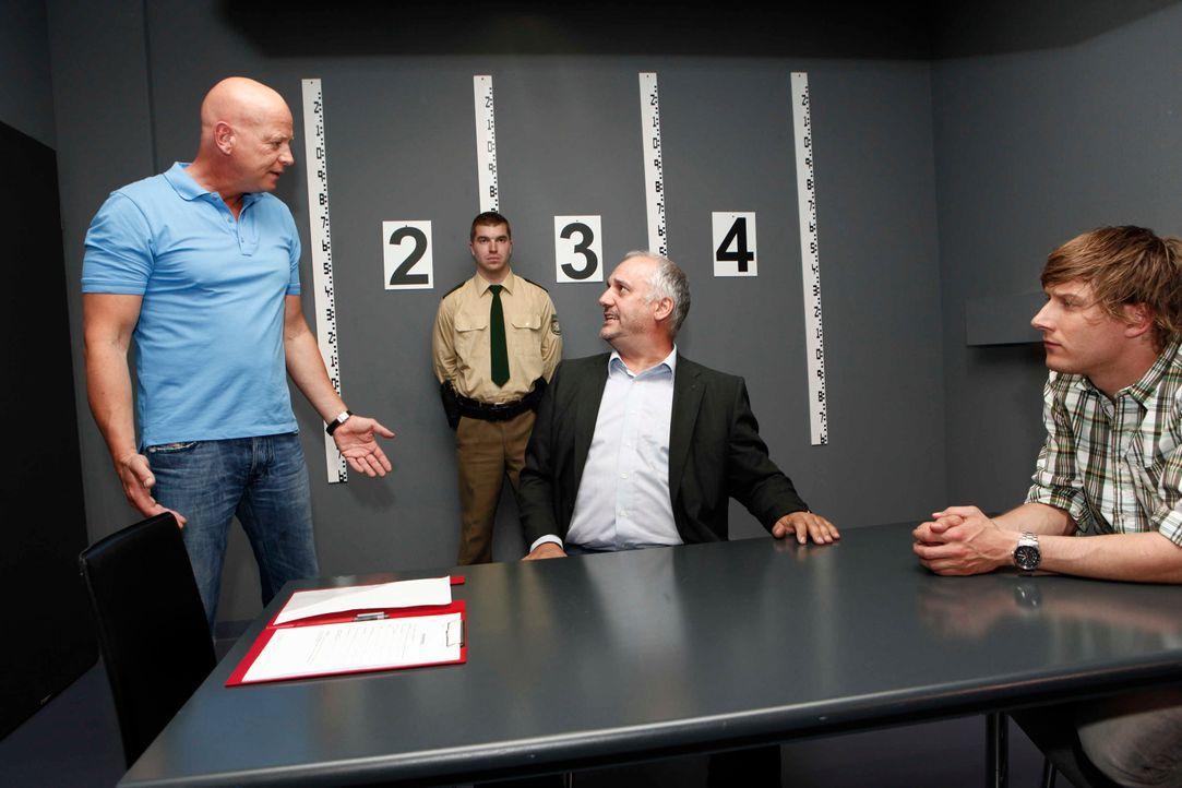 k-11-kommissare-im-einsatz-team-111228-001 - Bildquelle: SAT.1/ Benedikt Müller