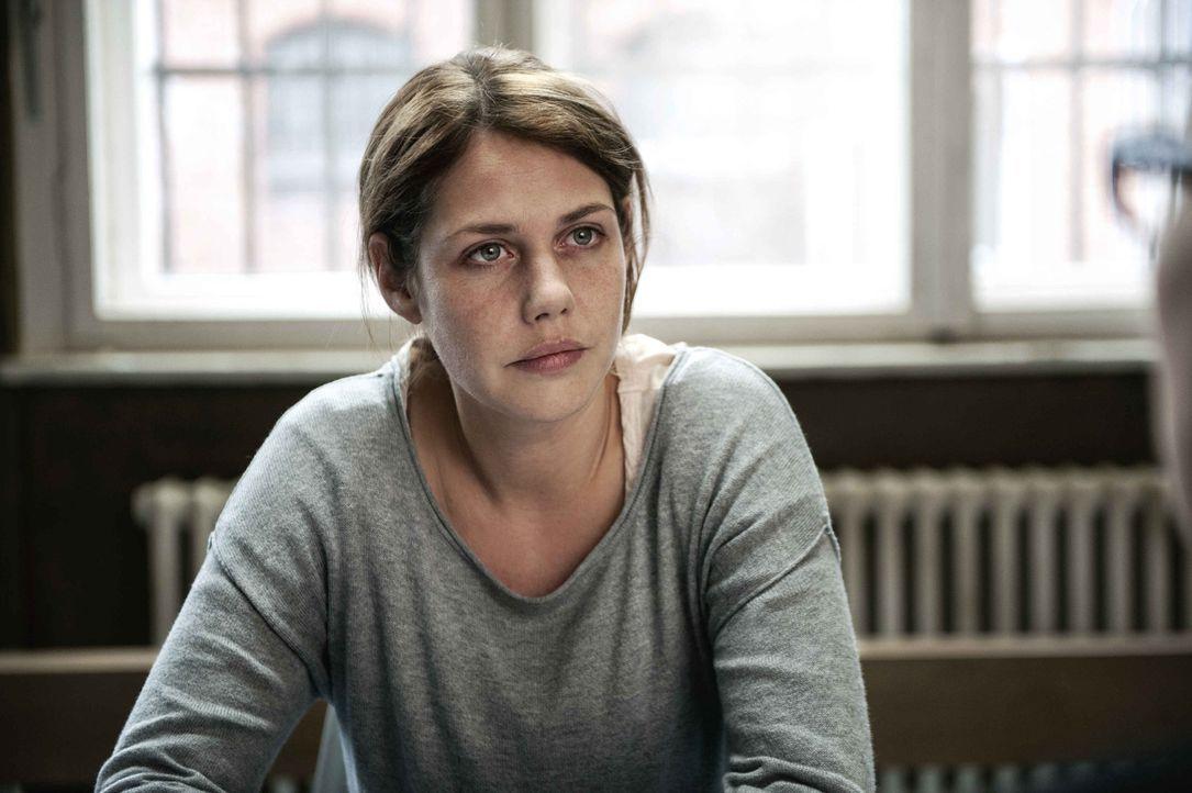 Für Leonie (Felicitas Woll) ist es die Hölle auf Erden: Obwohl sie ihren Mann über alles liebt, entwickelt sich die Ehe für sie mehr und mehr zum Al... - Bildquelle: Britta Krehl SAT.1