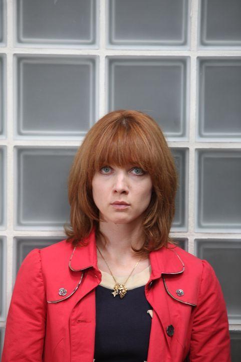 Wird Chloé (Odile Vuillemin) erkennen, warum die Fotografin sterben musste? - Bildquelle: Xavier Cantat 2011 BEAUBOURG AUDIOVISUEL