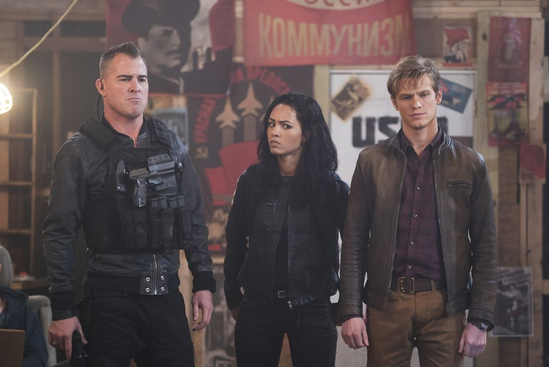 (v.l.n.r.) Jack Dalton (George Eads); Riley Davis (Tristin Mays); Angus MacGyver (Lucas Till) - Bildquelle: Annette Brown Annette Brown/CBS   2018 CBS Broadcasting, Inc. All Rights Reserved.