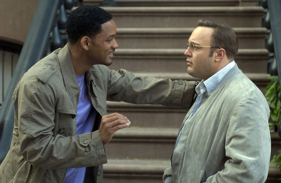 "Trotz intensivem Nachhilfeunterricht in Sachen ""Wie nähere ich mich einer Frau ohne sie gleich zu verschrecken?"" beweist sich Albert (Kevin James,... - Bildquelle: Sony Pictures Television International. All Rights Reserved."