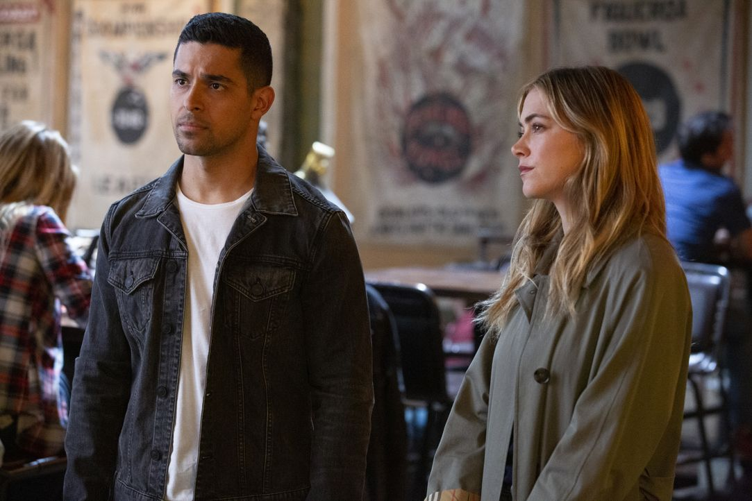 Nick Torres (Wilmer Valderrama, l.); Ellie Bishop (Emily Wickersham, r.) - Bildquelle: Michael Yarish 2019 CBS Broadcasting, Inc. All Rights Reserved / Michael Yarish