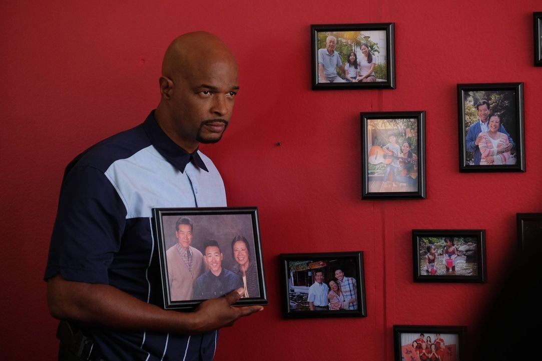 Als eine Leiche direkt vor dem Sweatshop der Familie Hong gefunden wird, müssen Riggs und Murtaugh (Damon Wayans) ermitteln. Haben die Hongs etwas z... - Bildquelle: 2016 Warner Brothers
