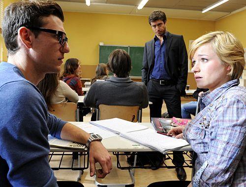 Emma macht Hotte ein Geständnis. Julian beobachtet die Situation ... - Bildquelle: Christoph Assmann - Sat1