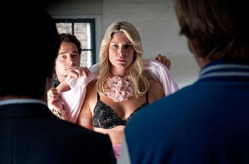 Bei der Befragung von Nadja Saizewa (Claudelle Deckert) stellen Mick und Andreas allerdings fest, dass die Blondine mehr an ihrer Karriere interessi... - Bildquelle: Martin Rottenkolber - Sat1