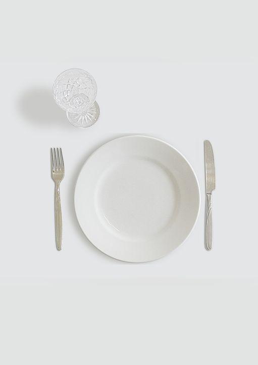 4. HungernSie verspüren noch keinen Hunger? Der Kopfschmerz meldet sich oft,... - Bildquelle: Pixabay
