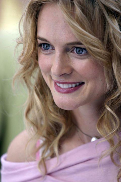 Pippa (Heather Graham) steht sie vor der Aufgabe ein Hochzeitsmagazin herauszubringen, obwohl sie gar nichts von der Ehe hält - keine leichte Sache... - Bildquelle: First Look Media