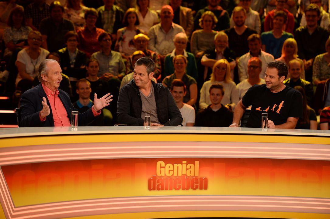 Geben alles, um an die richtige Antwort zu gelangen: (v.l.n.r.) Mike Krüger, Dieter Nuhr und Martin Rütter ... - Bildquelle: Willi Weber SAT.1