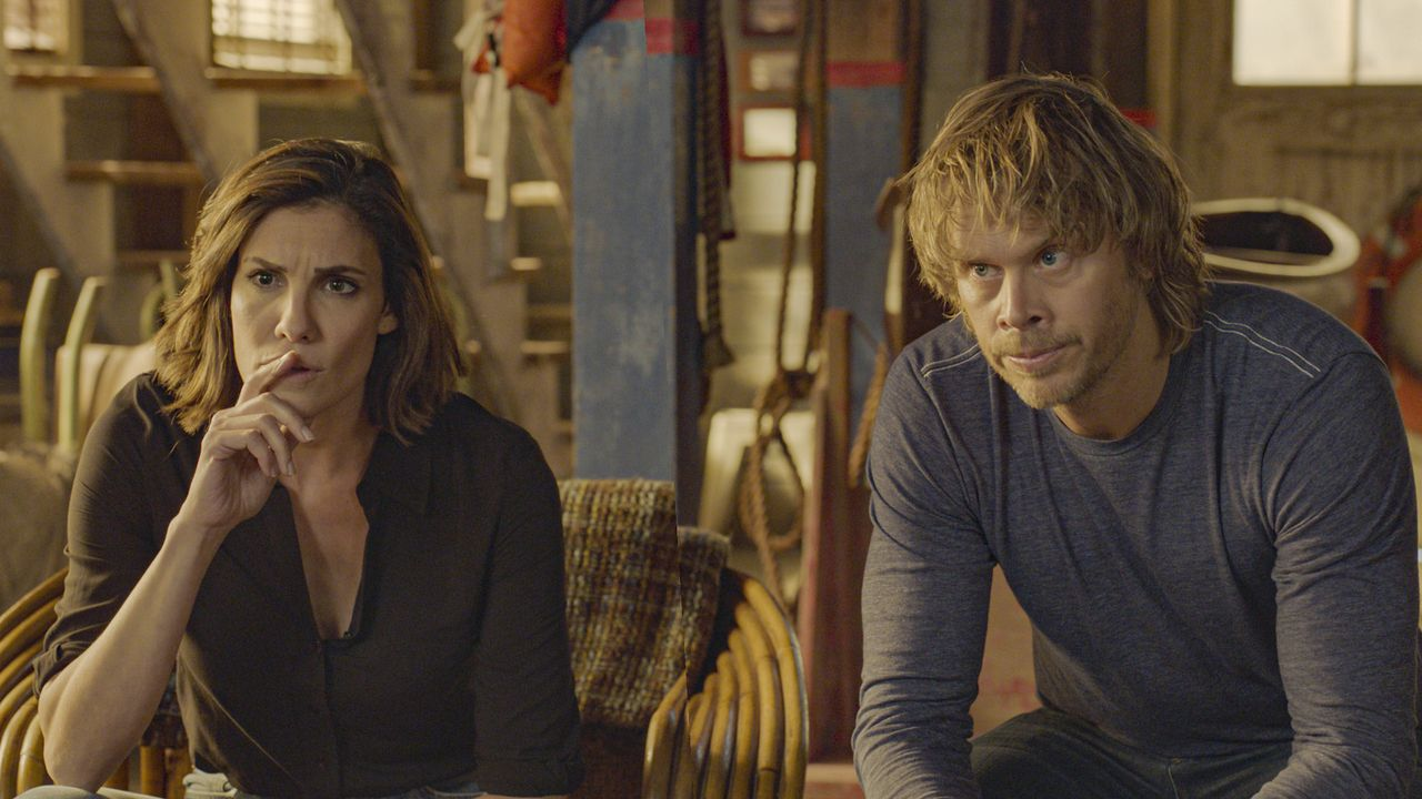 Kensi Blye (Daniela Ruah, l.); Marty Deeks (Eric Christian Olsen, r.) - Bildquelle: 2020 CBS Broadcasting Inc. All Rights Reserved.