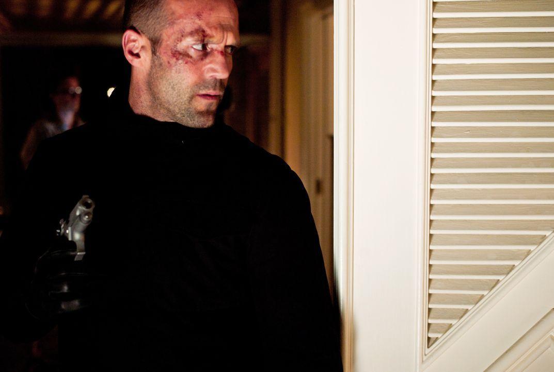 Während Leslie von furchtbaren Nachrichten von ihren Recherchen abgehalten wird, kommt Parker (Jason Statham) seiner Rache immer näher ... - Bildquelle: Jack English 2013 Constantin Film Verleih GmbH / Jack English