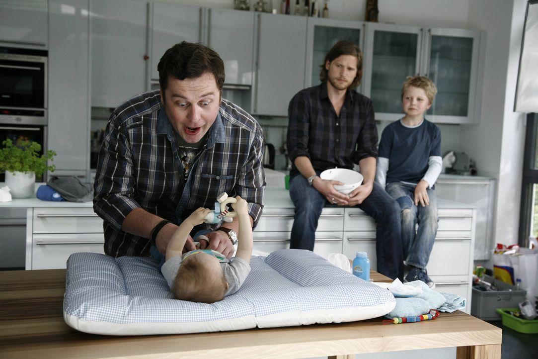 Als Jan (Sebastian Ströbel, M.) leichtfertig Marion verspricht, auf ihre Kinder aufzupassen, ahnt er nicht, dass das gar nicht so einfach ist. Glü... - Bildquelle: Vanessa Fuentes SAT.1