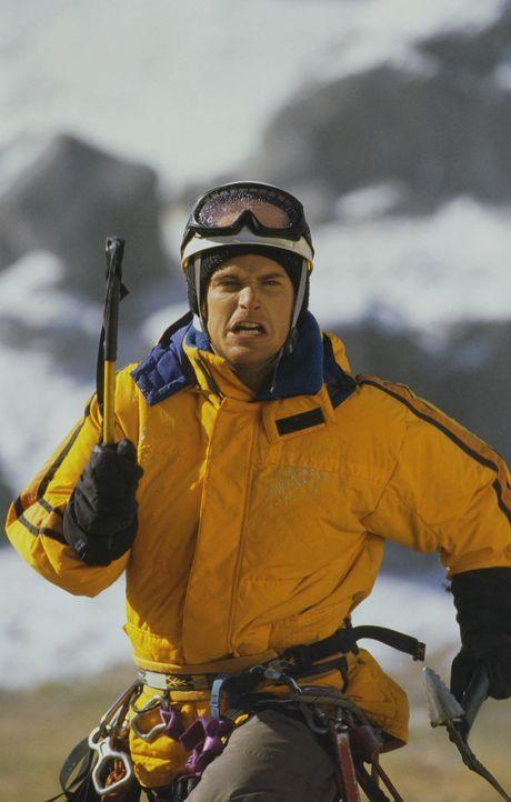 Weil der Bergsteiger Peter (Chris O'Donnell) einst das Leben seiner Schwester mit dem Tod seines Vaters bezahlen musste, widmet er sich fortan der N... - Bildquelle: Columbia Pictures