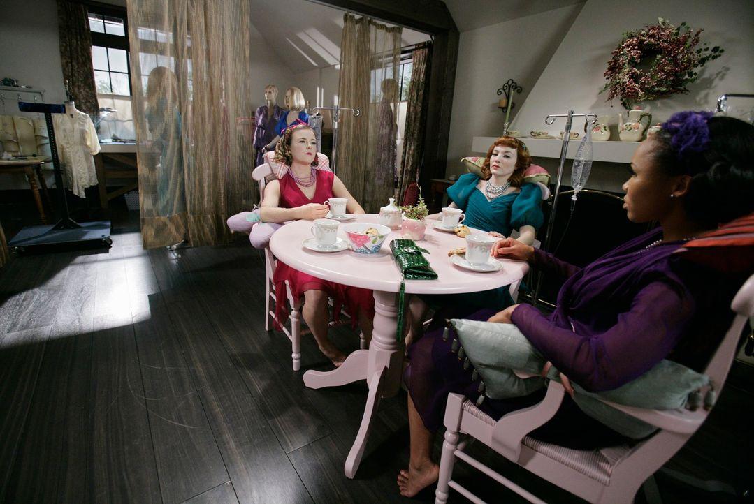 Nach und nach kommen die Profiler dahinter, dass es sich bei dem Täter um eine Frau handeln muss, die Frauen als lebendige Puppen behandelt: Bethany... - Bildquelle: Touchstone Television