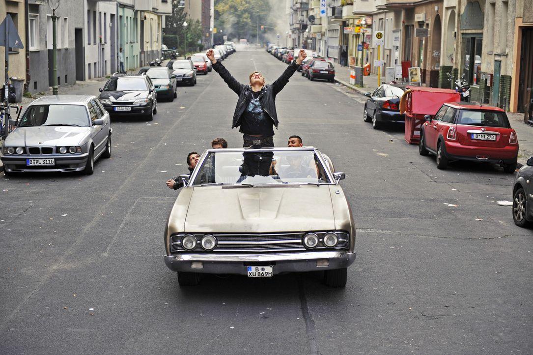 Anführer Chris (Wilson Gonzales Ochsenknecht, M.) macht mit seiner Gang Rox die Strassen Berlins unsicher ... - Bildquelle: Buena Vista International