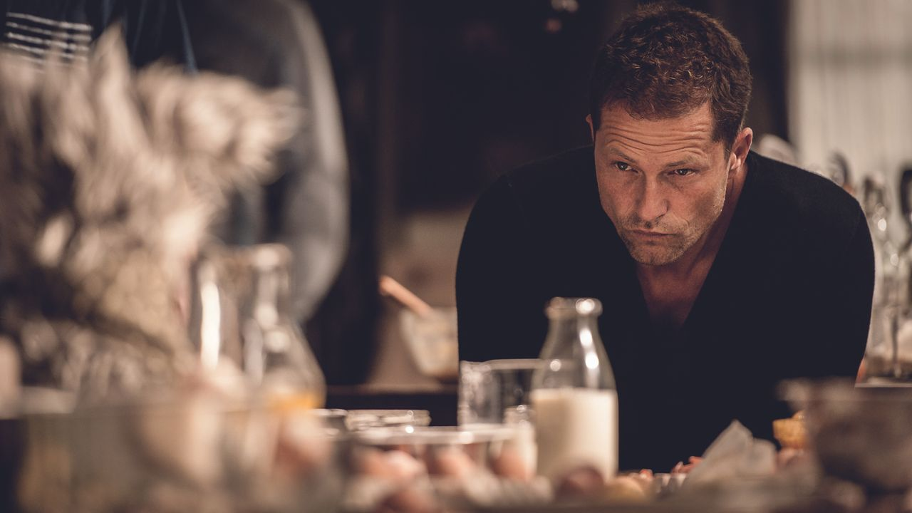 Als Nico (Til Schweiger) seinen Vater Amandus zu sich und seiner Familie nach Hause holt, freut sich seine Tochter Tilda sehr, denn Opa ist superlus... - Bildquelle: Gordon Timpen 2014 barefoot films GmbH, SevenPictures Film GmbH, Warner Bros. Entertainment GmbH. All rights reserved.