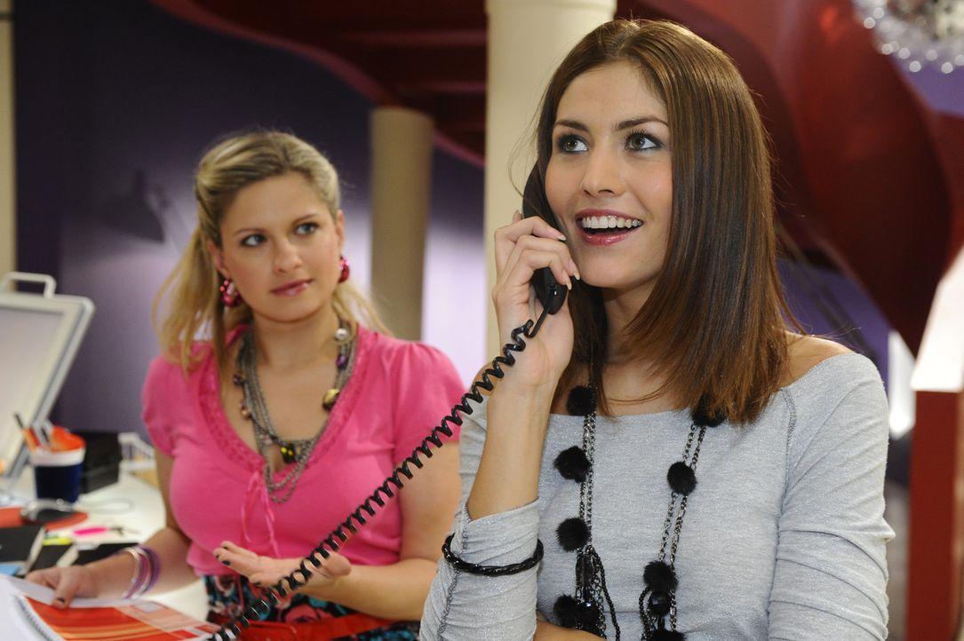 Mia (Josephine Schmidt, l.) setzt sich gegen Jessica (Fiona Erdmann, r.) durch und zwingt sie, ihr zu helfen .... - Bildquelle: SAT.1