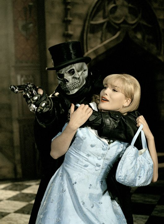 Der WiXXer schlägt schon wieder zu. Sein Opfer ist die attraktive Miss Pennymarket (Tanja Wenzel) ... - Bildquelle: Rat Pack Filmproduktion GmbH