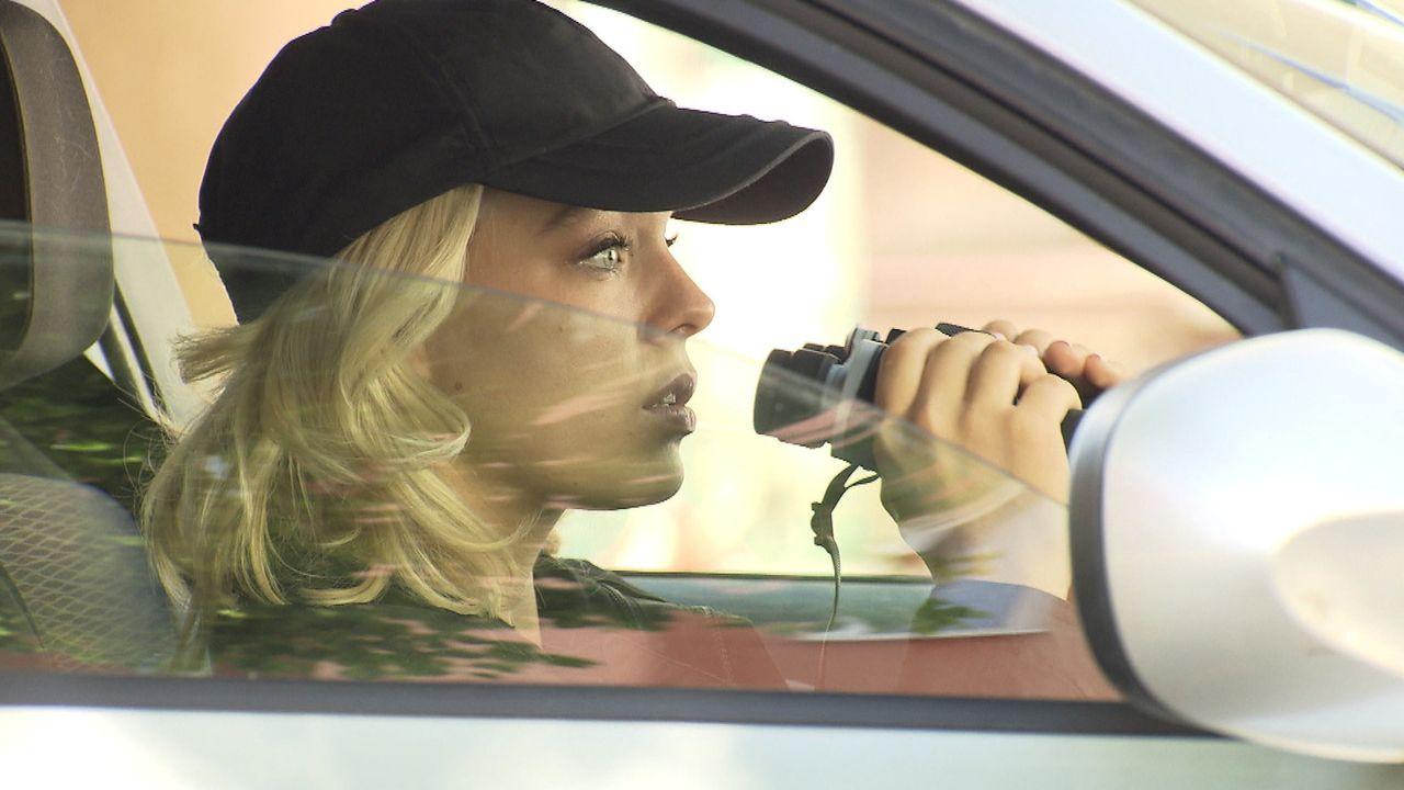 Nachdem Jenny beobachtet hat, wie ihr Nachbar seine Freundin umgebracht hat, ermittelt sie auf eigene Faust ... - Bildquelle: SAT.1