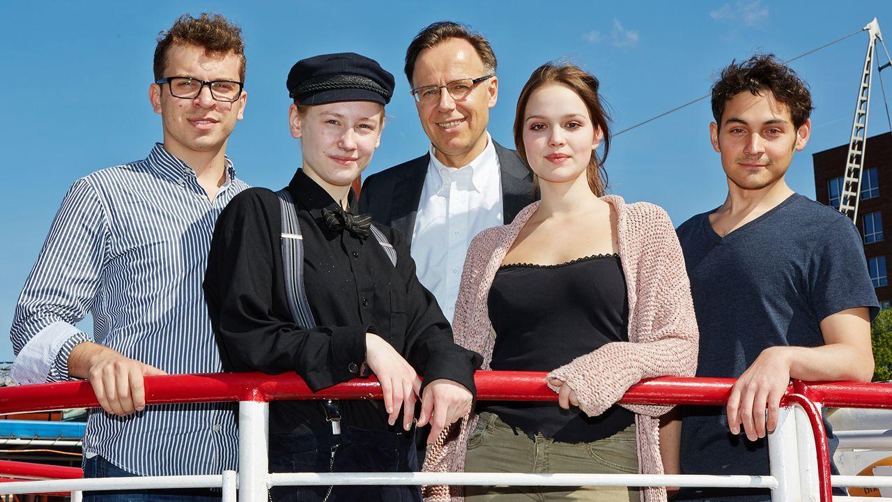 Edin-Hasanoviv-Lotte-Flack-Emilia-Schuele-13-06-03-dpa - Bildquelle: dpa