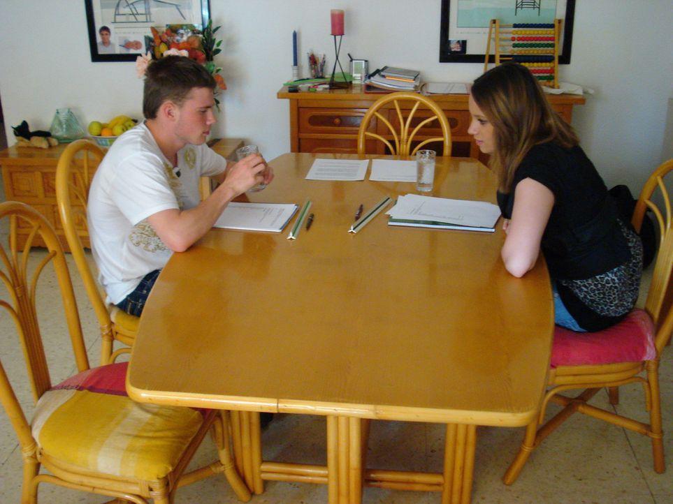 Bei den Stemmanns auf Teneriffa werden die beiden Teenager Nadine und Justin mit der harten Realität konfrontiert. Hier sollen sie endlich lernen,... - Bildquelle: kabel eins