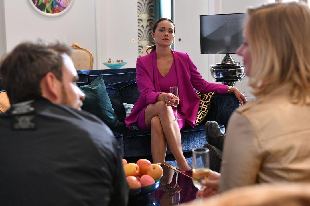 Kann Melissa (Sarah Maria Besgen) dem Erbschaftsanspruch der neu hinzugewonnenen Familienmitglieder gerecht werden? - Bildquelle: Claudius Pflug SAT.1/Claudius Pflug