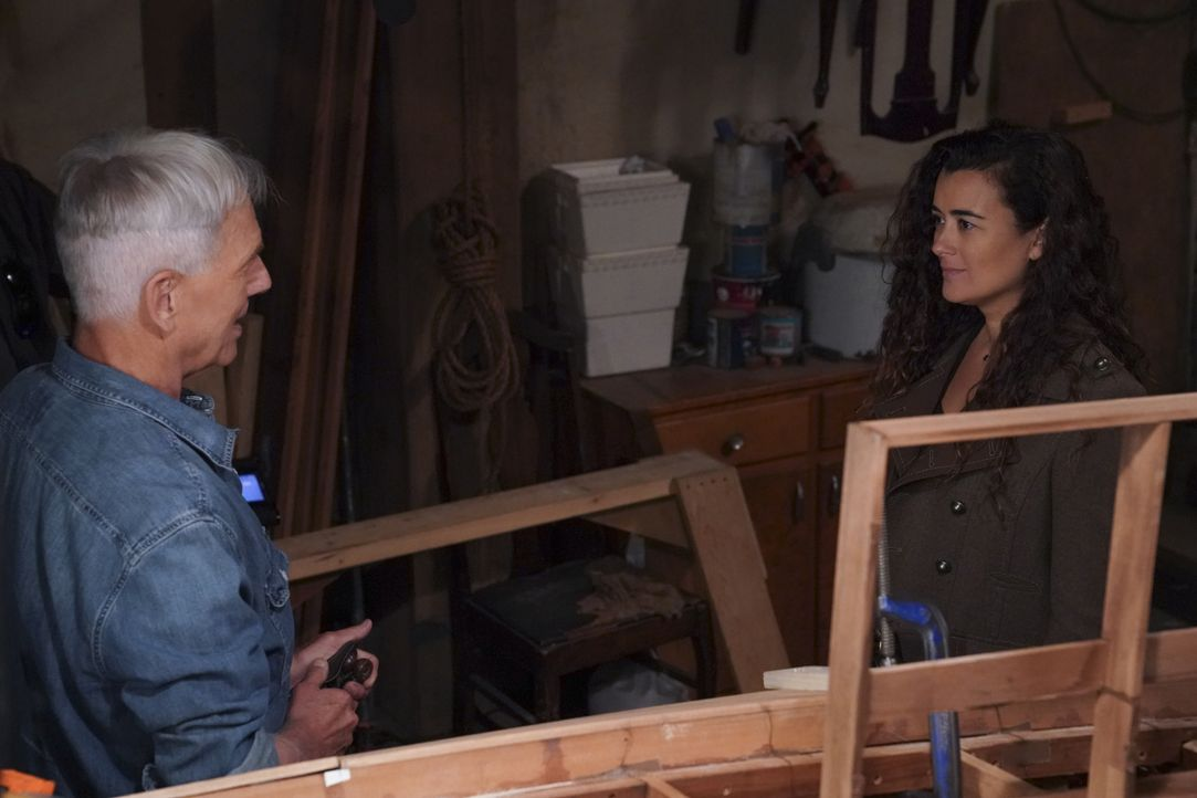 Leroy Jethro Gibbs (Mark Harmon, l.); Ziva David (Cote de Pablo, r.) - Bildquelle: Michael Yarish 2019 CBS Broadcasting, Inc. All Rights Reserved / Michael Yarish