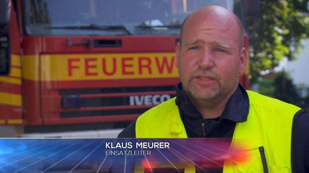 FW - Einastzleiter Klaus Meurer - Bildquelle: SAT.1