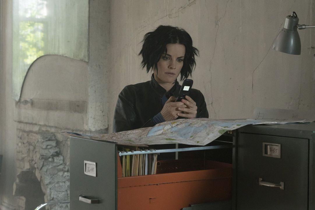 Als es Jane (Jaimie Alexander) gelingt, aus Shepherds Hauptquartier einige Dokumente an Patterson zu schicken, wird schnell deutlich, dass Sandstorm... - Bildquelle: Warner Brothers