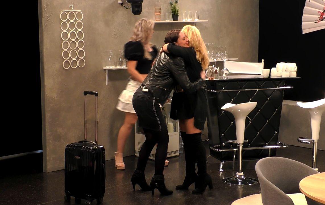 Brigitta (l.); Nicole (r.) - Bildquelle: SAT.1