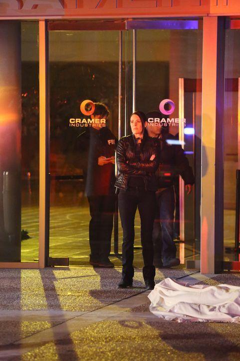 Um JJ aus den Fängen von Entführern zu befreien, hat das Team Emily Prentiss (Paget Brewster) um Hilfe gebeten ... - Bildquelle: ABC Studios