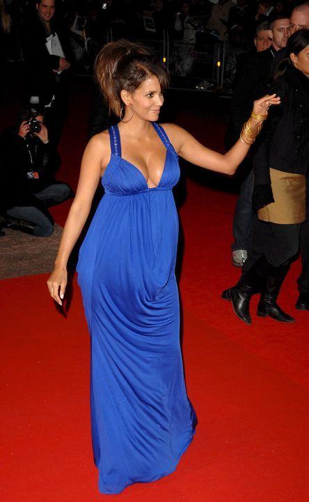 Die schwangere Halle Berry - Bildquelle: +++(c) dpa - Bildfunk+++ Verwendung nur in Deutschland
