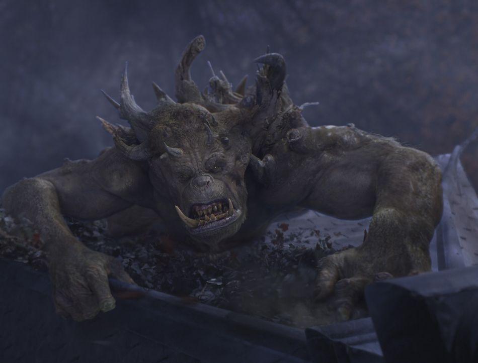 """Mit dem Oger Mulgarath ist nicht gut Kirschen essen. Er will das """"Handbuch der magischen Geschöpfe"""" unter seine Kontrolle bringen, um mit dessen Wi... - Bildquelle: Paramount Pictures"""