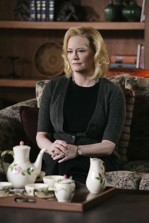 Ahnt Mrs. Gless (Cybill Shepherd), dass ihr Sohn etwas mit den Morden an den jungen Frauen zu tun hat? - Bildquelle: Touchstone Television