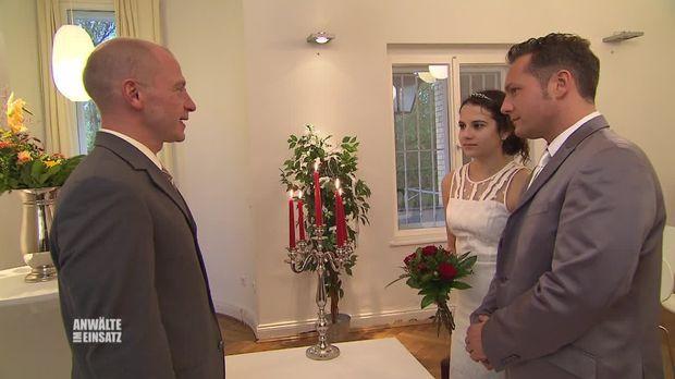 Anwälte Im Einsatz - Anwälte Im Einsatz - Episode 19: Alp-traumhochzeit