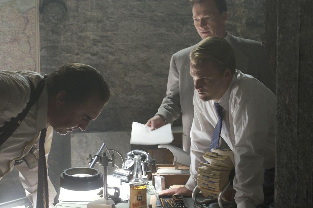 Auf der Jagd nach einem eiskalten Maulwurf: die CIA-Agenten Harvey Torrit (Alfred Molina, l.) und Jack McCauliffe (Chris O'Donnell, r.) ...