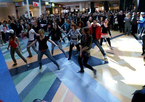 Unsere Tänzer sind mit Power und Freude dabei. - Bildquelle: Danilo Brandt - Sat1