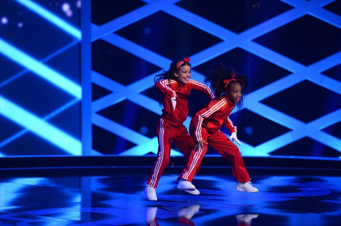 Haben sie eine Chance auf den Titel? Tracy und Aliyah geben alles, um die Jury zu beeindrucken ... - Bildquelle: Willi Weber SAT.1
