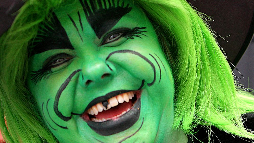 Als Hexe Schminken Gruseliges Karnevals Make Up Sat 1 Ratgeber