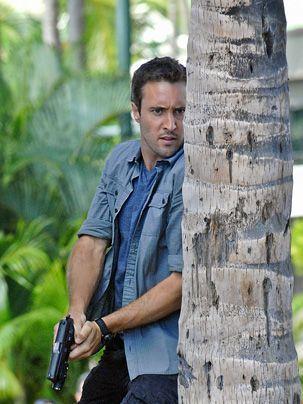 Bei Steve (Alex O'Loughlin) wird eingebrochen und die Diebe nehmen den Werkzeugkasten seines Vaters mit. Doch damit nicht genug: Steves Schwester Ma... - Bildquelle: CBS Studios Inc
