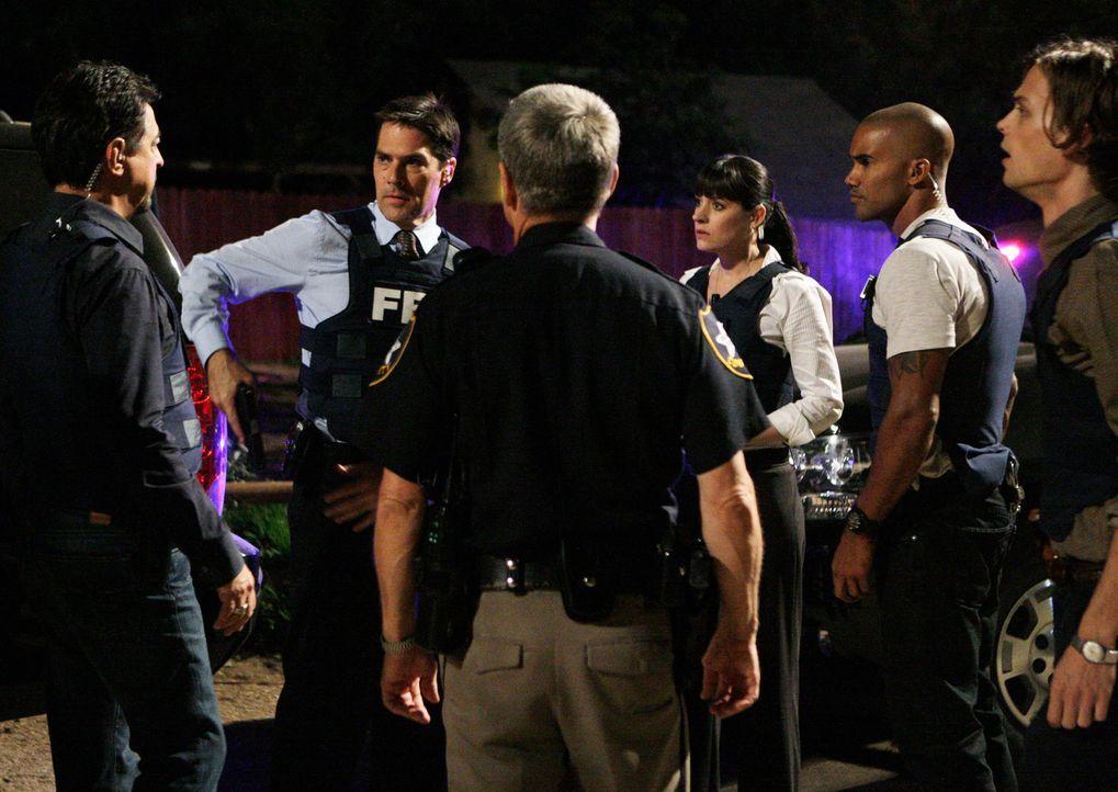 Rasch ist dem BAU-Team klar ist, dass es inszenierte Unfälle sind, bei denen ein Mord vertuscht werden soll. Das Profil und die Vorgehensweise deute... - Bildquelle: Touchstone Television