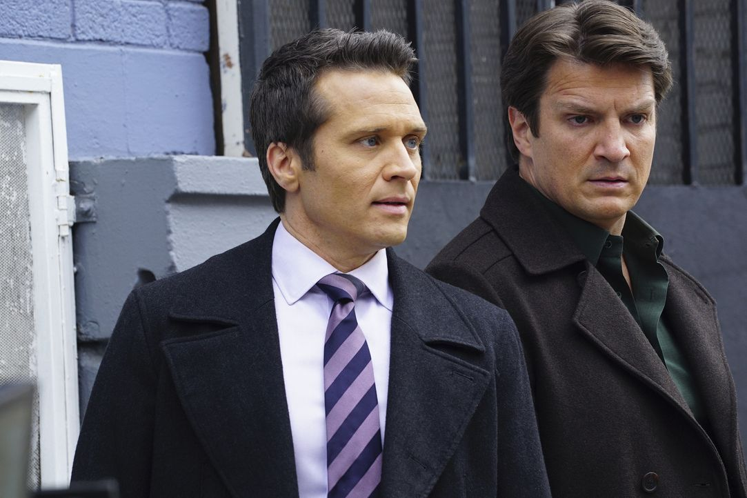 Castle (Nathan Fillion, r.) und Ryan (Seamus Dever, l.) sind beunruhigt, als eine alte Flamme von Esposito kurzzeitig aus dem Gefängnis entlassen wi... - Bildquelle: Richard Cartwright 2016 American Broadcasting Companies, Inc. All rights reserved.